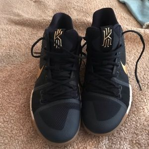 Kyrie Irving Nike signature shoe size 12